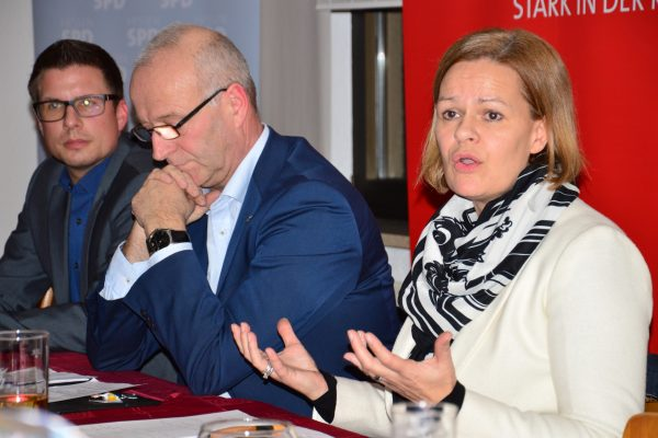 Nancy Faeser bei der Debatte in Mücke zur Inneren Sicherheit